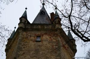 Gotická věž zámku Stránov