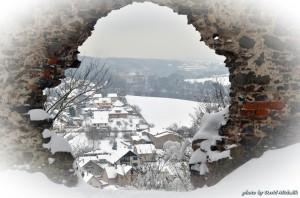 """""""Okno"""" na hradě Zbořený Kostelec"""