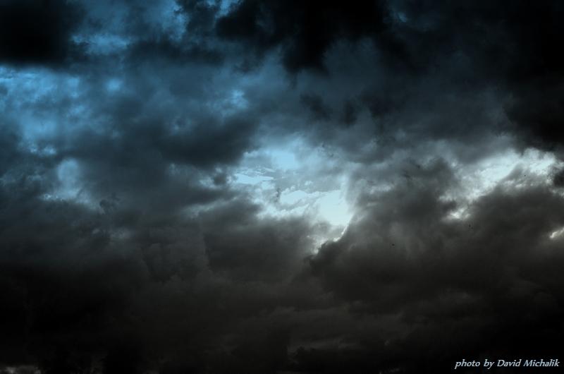 Další den je barevná tonina mraků úplně jiná
